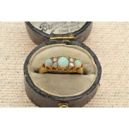 ANTIQUE DIAMOND AND OPAL RING