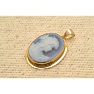GOLD CAMEO PENDANT