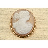 ANTIQUE ROSE GOLD MOUNTED CAMEO BROOCH