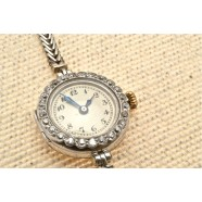 ANTIQUE PLATINUM SET DIAMOND WRIST WATCH