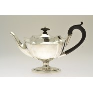 ANTIQUE SOLID SILVER TEA POT