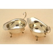PAIR OF ANTIQUE SILVER SAUCE BOATS